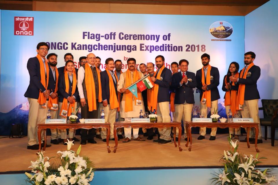 Hon'ble Union Minister of P&NG and SD&E Flagged off the 2nd ONGC expedition Mission Kanchenjunga 2018 at New Delhi on 2nd April'18