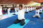 Hon'ble MoS(I/C) PNG practising yoga during International Yoga Day celebration at Nehru Yuba Kendra Sangathanan (NYKS) at Bhubaneswar on 21st June'16