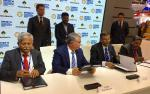 Hon'ble MoS(I/C) PNG with Hon'ble Russian Minister witnessing the signing of Sale & Purchase Agreement (between Indian consortium of IOC,BPCL & OIL with Rosneft) of 23.9% stakes in Vankor oilfield at St. Petersburg, Russia