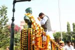 Hon'ble MoS(I/C) PNG garlanding the Statue of Netaji Subhash Chandra Bose in his birth place at Janakinath Bhawan, Cuttack on 23rd Jan'16.