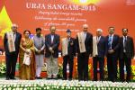 Hon'ble MoS(I/C) PNG and Hon'ble Finance Minister with the Urja awardees on 27th March at Urja Sangam 2015.