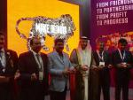 Hon'ble MoS(I/C) PNG inaugurating Make In India pavilion at Annual Investment Meet of Dubai with Deputy Minister of Economy of UAE on 11th Apr'16.