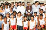 Hon'ble MoS(I/C) PNG with the young aspiring athletes of GAIL-Indian Speedstar programme in Bhubaneswar