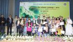 Hon'ble MoS(I/C) PNG with awardees of the Essay and Painting Competition during the launch of nationwide Oil & Gas Conservation Fortnight in Delhi on 16th Jan'16.