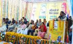 Hon'ble MoS(I/C) PNG addressing during the launch of PMUjjwalaYojna at Kapkot, Uttarakhand on 22nd Dec'16