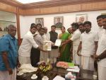 A delegation of villagers from Neduvasal met Hon'ble MoS(I/C) PNG, Hon'ble MoS(I/C) Commerce & Industry & Hon'ble MoS MORTH at New Delhi on 22nd Mar'17