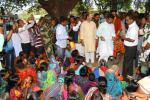 Hon'ble MoS(I/C) PNG Interacted with villagers in Malkangiri district of Odisha and talked to families whose children suffered from Japanese Encephalitis on 14th Nov'16