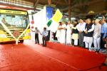Hon'ble MoS(I/C) PNG along with Hon'ble CM of Kerala Flagged off India's first ever LNG fuelled bus for the test run at Thiruvananthapuram on 8th Nov'16