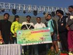 Hon'ble Union Minister of P&NG and SD&E handing over the Prize to the winner of Elite Race (Female category) in Saksham Cyclothon event organized by PCRA at Kalinga stadium, Bhubaneshwar on 4th Feb'18