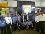MoS(I/C) PNG with the attendents at HPCL Retail Outlet at Bandra in Mumbai on 12th Aug'17