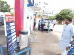 Hon'ble MoS(I/C) PNG Visited a HPCL petrol pump at Bengaluru, inspected the implementation of DSP along with HPCL officials & interacted with RO staffs on 18th June'17
