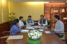 Hon'ble MoS(I/C) PNG discussing with the Hon'ble MoS of Culture & Tourism (I/C) & Civil Aviation at New Delhi on 27th June'15.